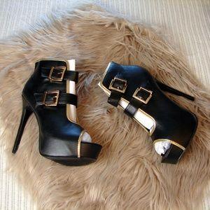 City Snappers NIB black spike platform boot shoes